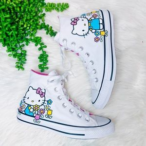 Converse Chuck Taylor• Hello Kitty Pink Canvas